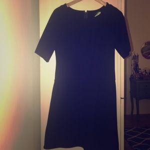 Black 3/4 sleeve sleek dress size 4